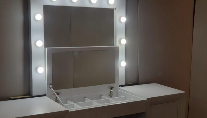 Nuevos marcos espejo para maquillaje.